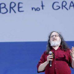 Vídeo de Richard Stallman hablando en Español sobre Software Libre