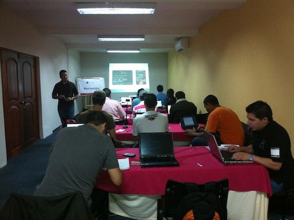 HackingDayWifiMedellin 1 Así fue el Hacking Day en Medellín – Seguridad Wireless