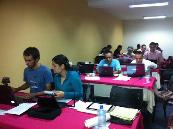 HackingDayWifiMedellin 2 Así fue el Hacking Day en Medellín – Seguridad Wireless