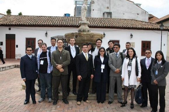 Axia Tunja2 Memorias del Primer congreso internacional y segundo nacional de Nuevas Tecnologías USTA 2011
