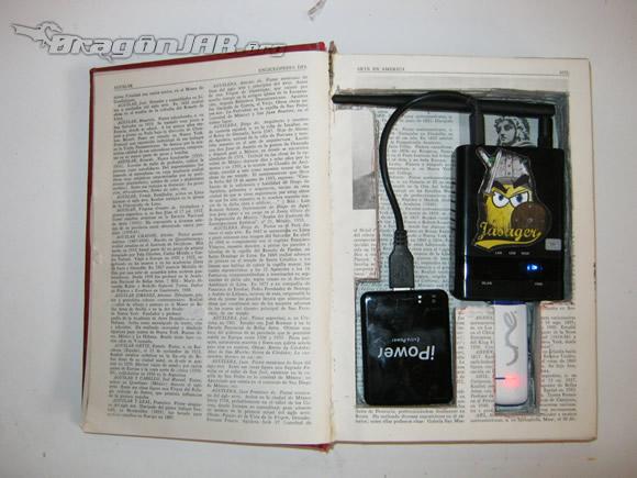 Ocultando la Piña WiFi en un viejo libro